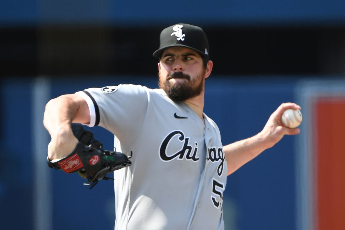 Chicago White Sox starting pitcher Carlos Rodon (55) delivers a pitch against Toronto Blue Jays in the first inning at Rogers Centre.
