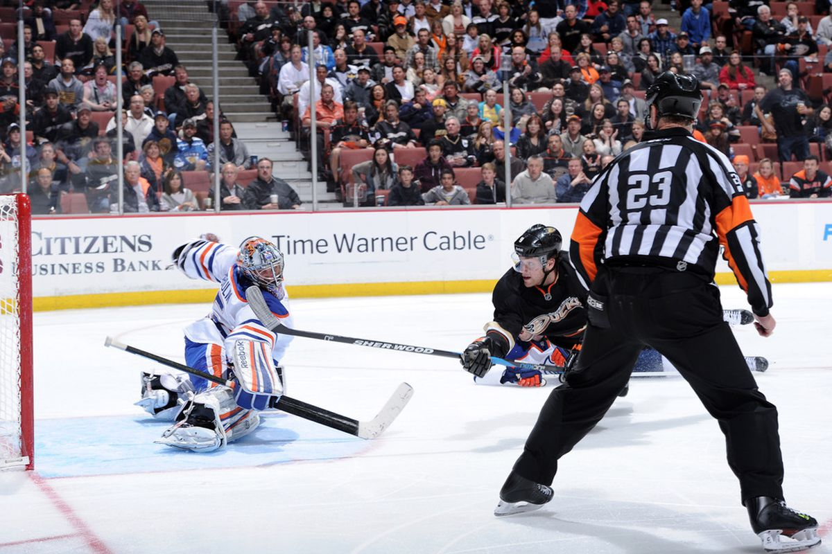 Stupid linesman screwed up a pretty cool shot. Boudreau likely agrees