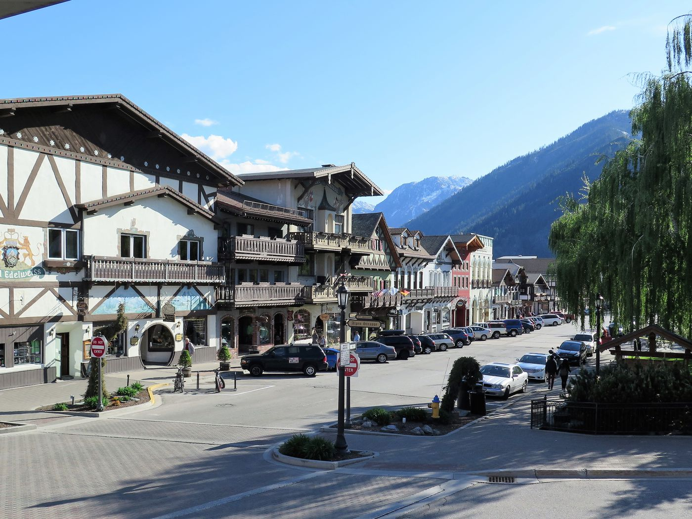 Leavenworth Cancels Oktoberfest and Tree Lighting Ceremony for