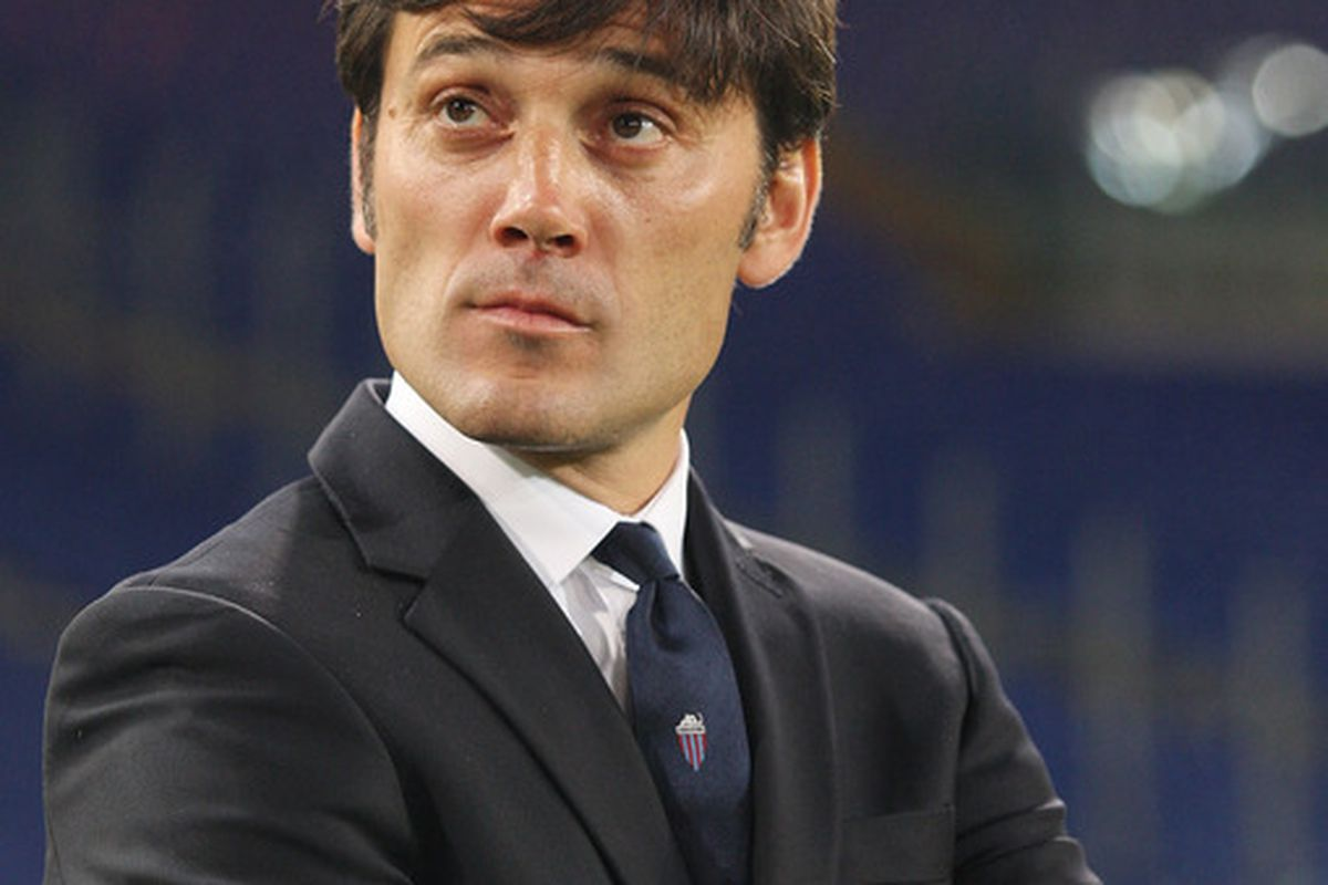ROME, ITALY - MAY 05:  Coach Vincenzo Montella of Catania Calcio looks on during the Serie A match between AS Roma and Catania Calcio at Stadio Olimpico on May 5, 2012 in Rome, Italy.  (Photo by Paolo Bruno/Getty Images)
