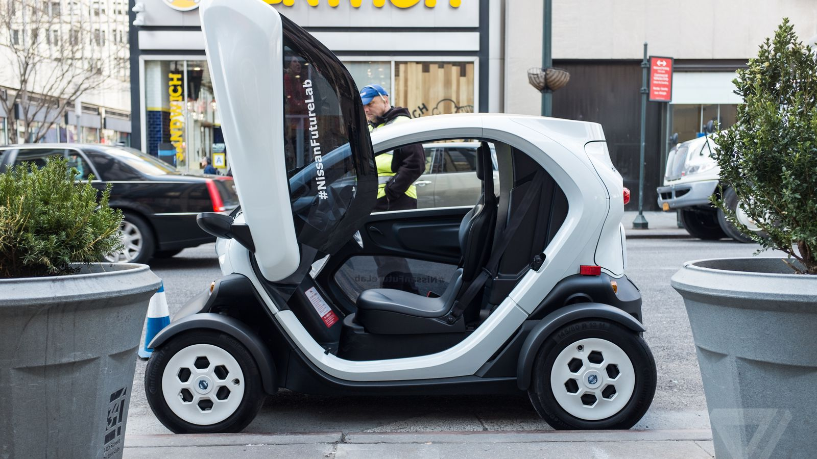 This tiny electric car could be the future of urban transportation ...
