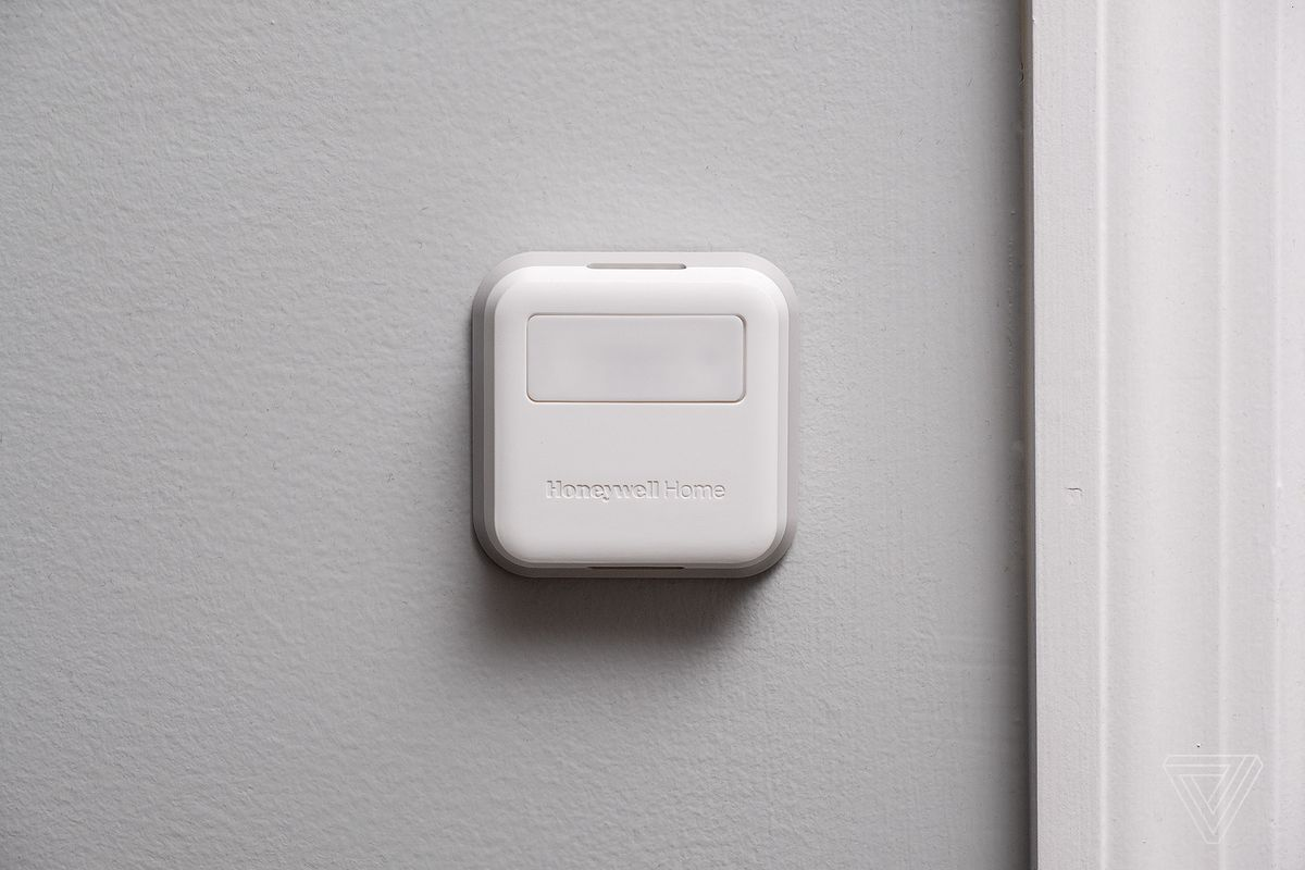 Honeywell Home T9 thermostat review: smart sensors