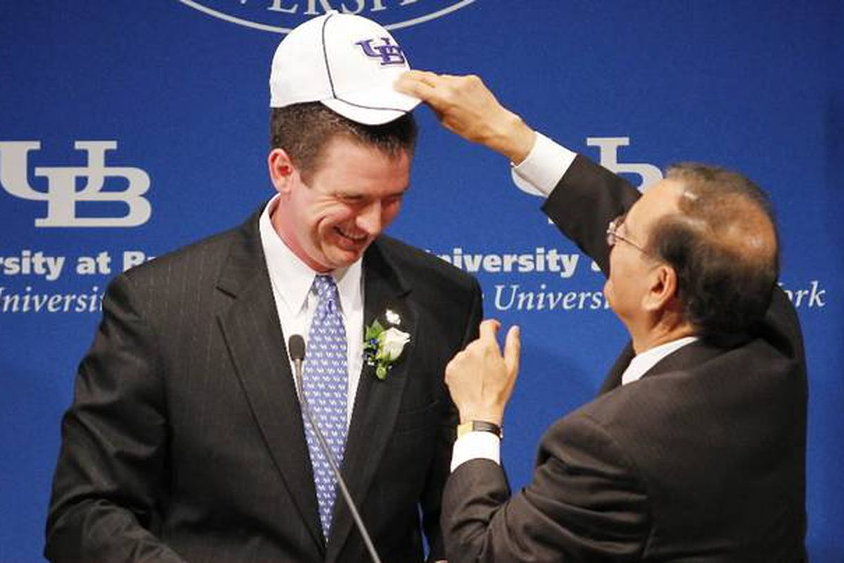 """I'm not sure that hat can contain White ginormous brain! via <a href=""""http://www.buffalonews.com/incoming/article847760.ece/BINARY/w620/white.jpg"""">www.buffalonews.com</a>"""