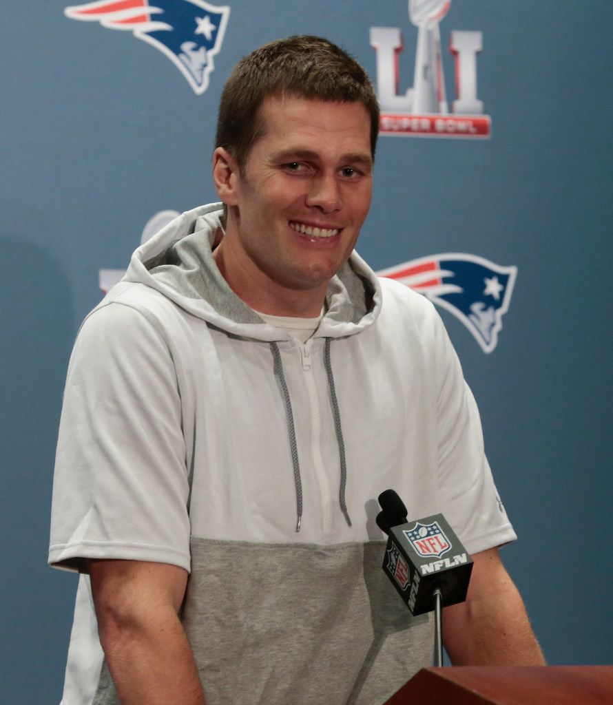 New England Patriots quarterback Tom Brady has come under fire for his defense of President Donald Trump, but Mike Ditka supports Brady. | Getty Images