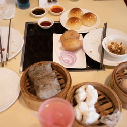 A meal in Ming Hin restaurant.   Colin Boyle/Sun-Times