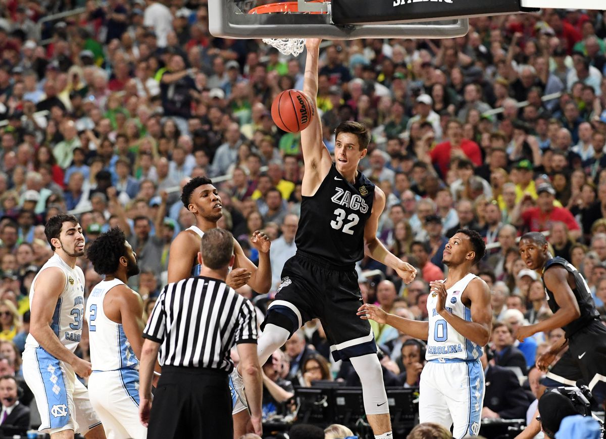 The Charlotte Hornets select Zach Collins from Gonzaga with the No. 11 pick in the Blazer's Edge 2017 NBA Mock Draft.