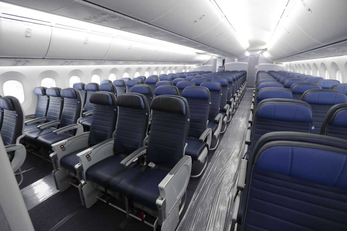 Coronavirus Are United Airlines Flights Empty Photo Shows Packed Plane Deseret News