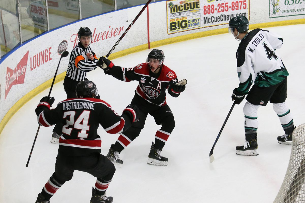 USHL Playoffs: Nick Abruzzese's 5 points lead Chicago Steel to 6-3 win over RoughRiders in Game 1