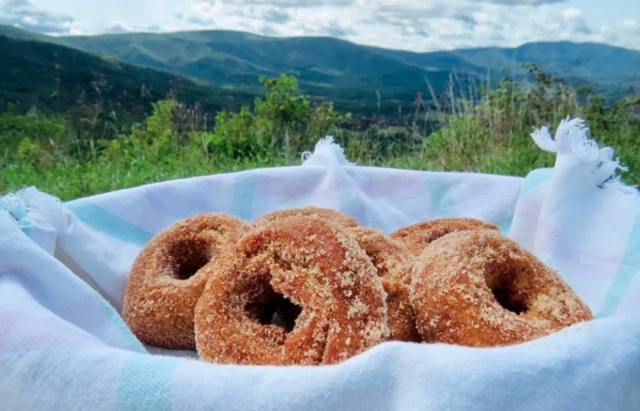 Apple butter cinnamon doughnuts from the Apple House
