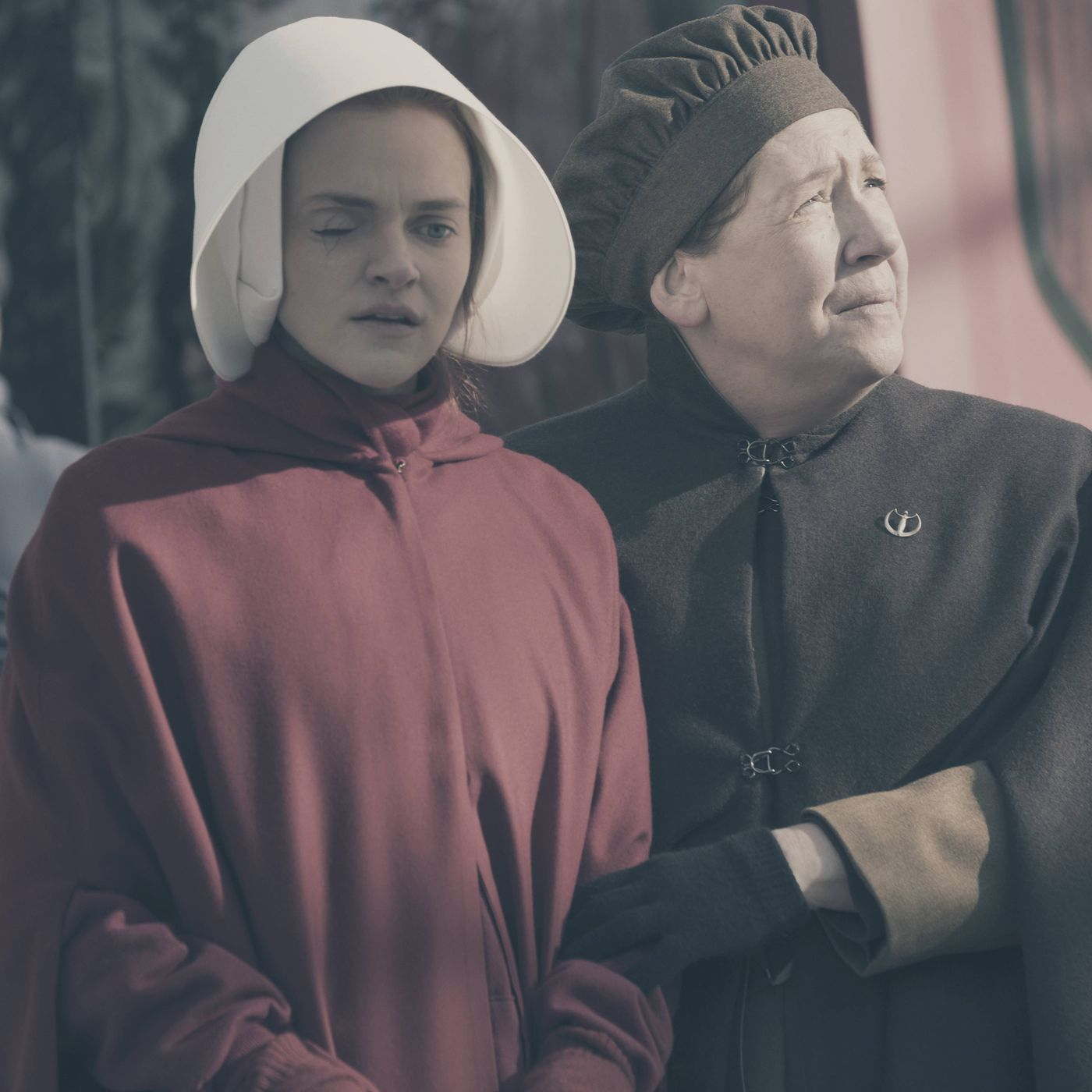 The Handmaid S Tale Season 1 Episode 9 The Bridge Stares Into The Face Of Death And Beyond Vox