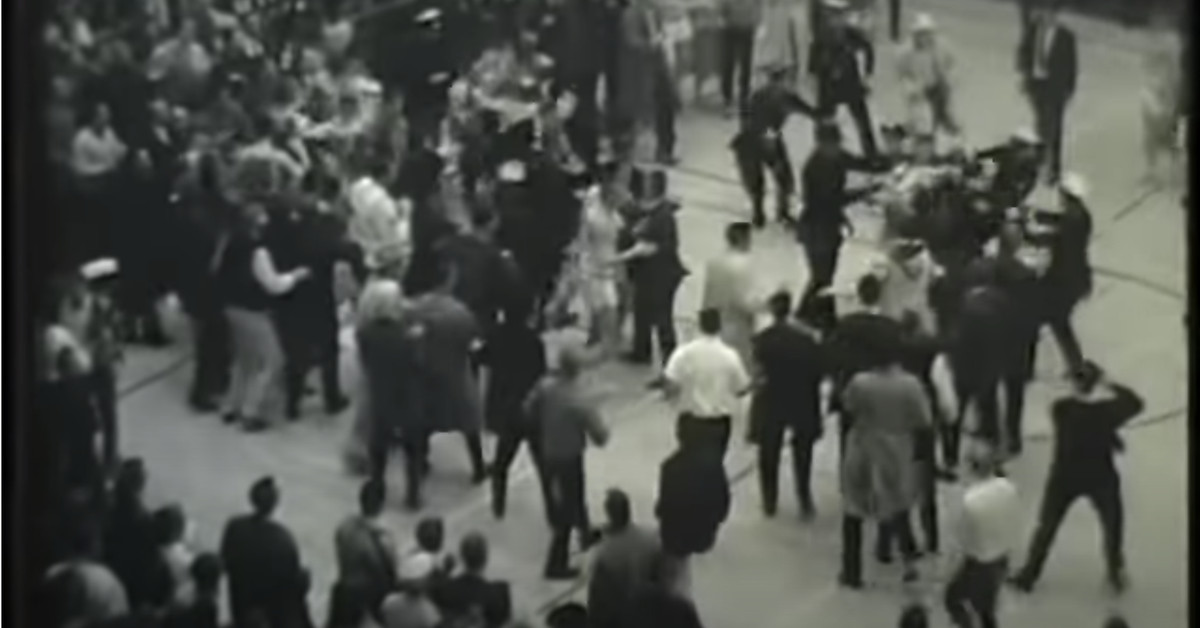 The best ever basketball fight was Duke vs. UNC in 1961 thumbnail