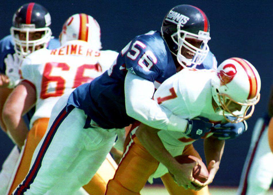 New York Giants linebacker Lawrence Taylor sacks T