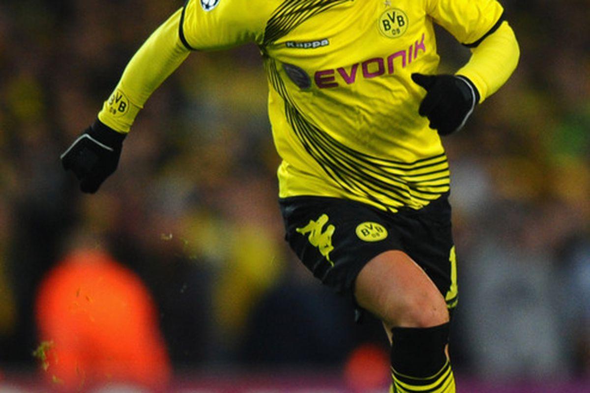 Mario Gotze's contract extension ties him with Borussia Dortmund until 2016