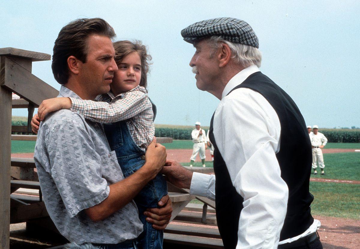 Kevin Costner And Gaby Hoffmann In 'Field Of Dreams'