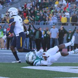 Antoine Porter catching the other Eastern Michigan touchdown