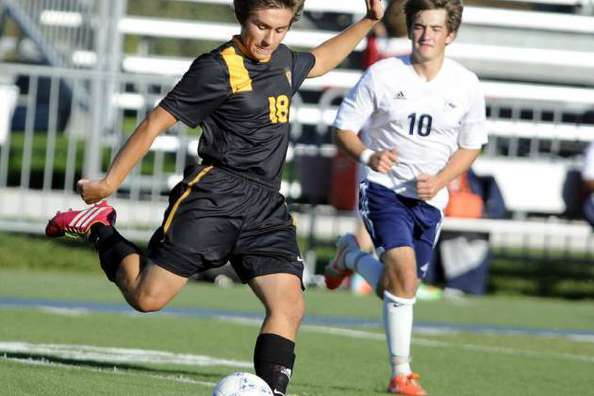 Mordarski Brothers are all-in on Elmwood Park soccer team