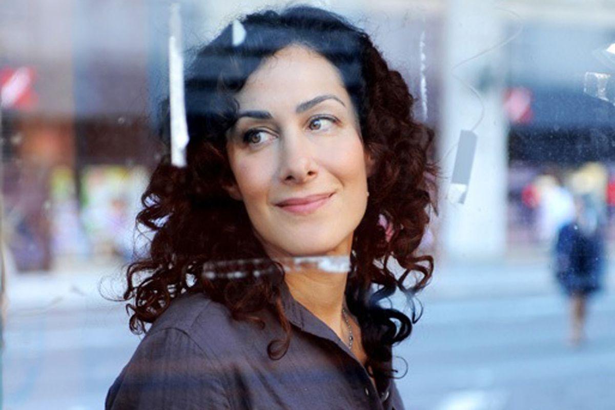 The author, Joanna Rakoff.