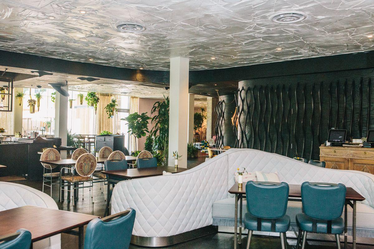 The dining room at Arlo Grey
