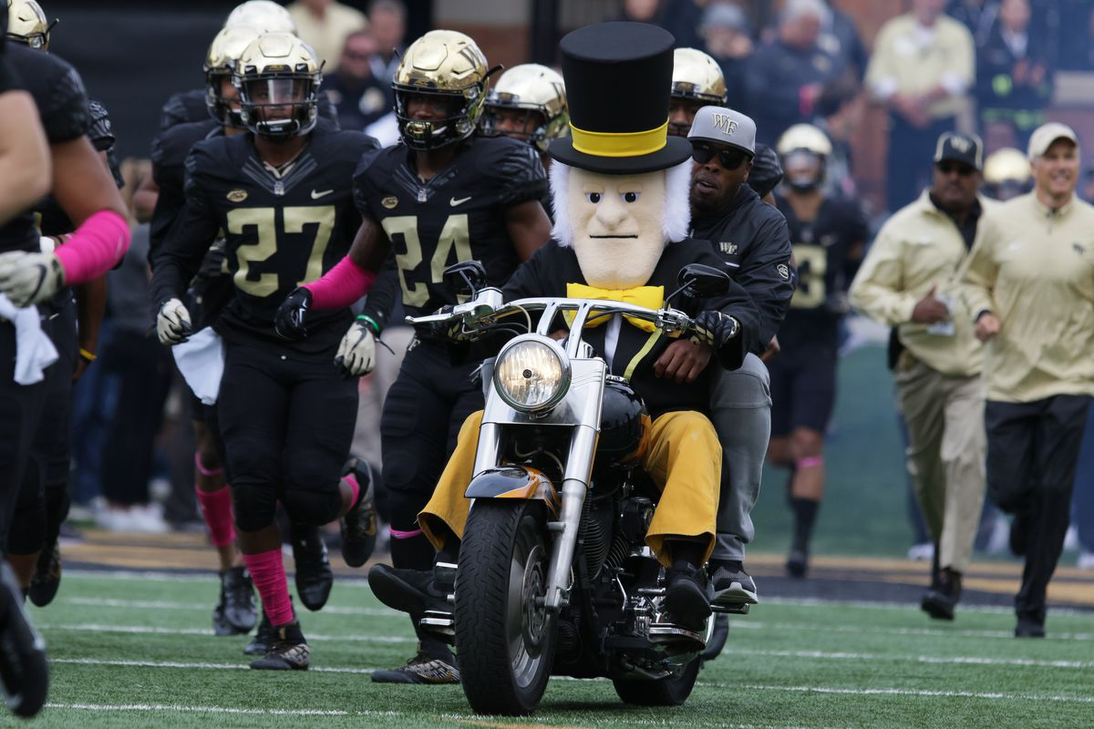 COLLEGE FOOTBALL: OCT 28 Louisville at Wake Forest