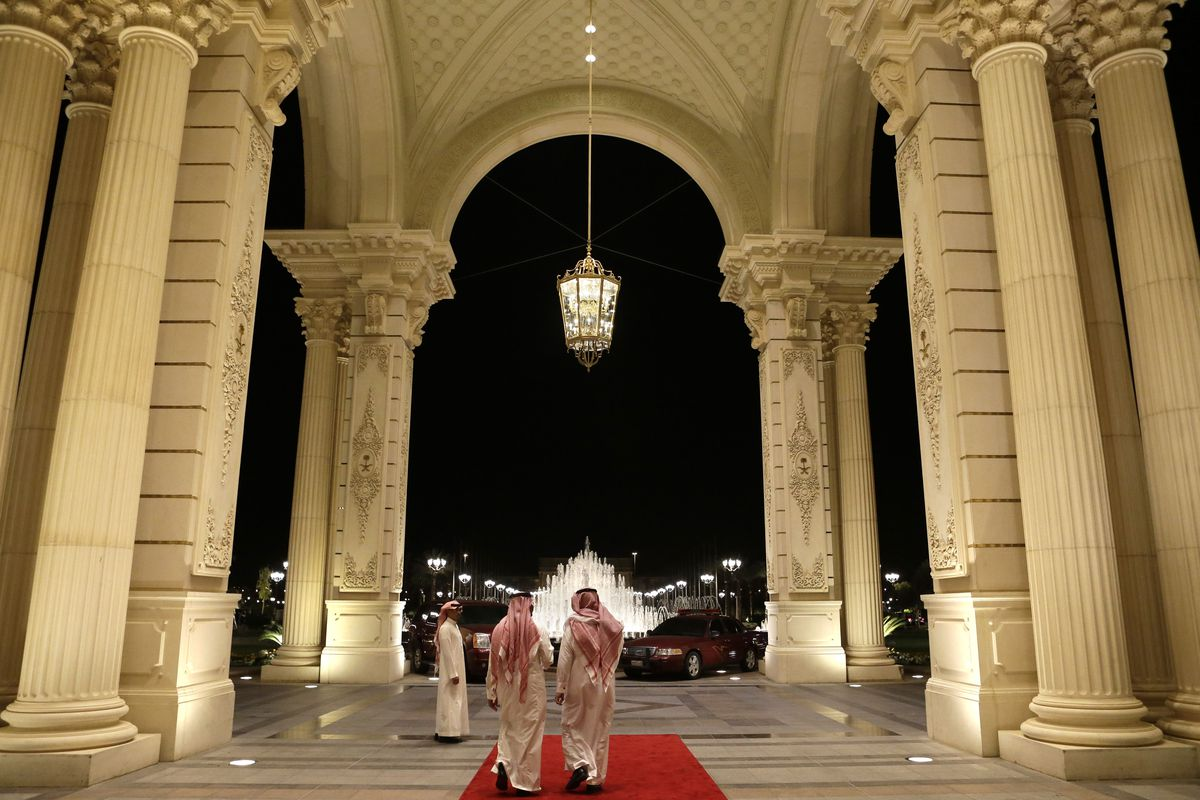 11 Saudi princes just got arrested  They're being held in a Ritz