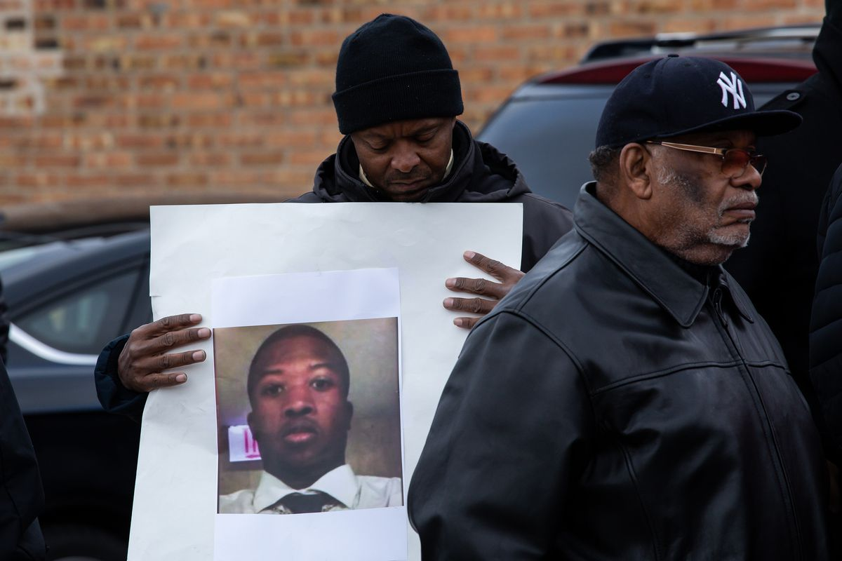 New videos show aftermath of Jemel Roberson police shooting - Vox