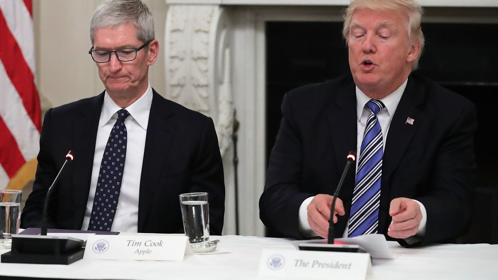 "Apple's Tim Cook says he ""disagrees"" with Donald Trump's take on Neo-Nazi violence in Charlottesville"