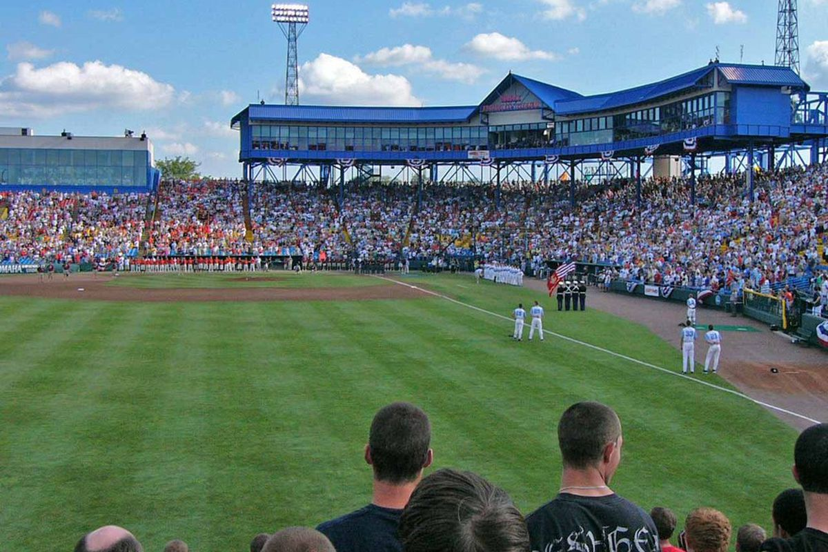 """A very select number of Bruins know what it's like to play in the College World Series via <a href=""""http://nichallisey.mlblogs.com/College_World_Series_2006_-_Finals_Game_2_opening.jpg"""">nichallisey.mlblogs.com</a>"""