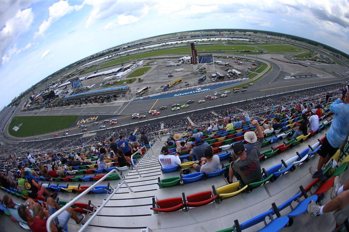 AUTO: AUG 16 NASCAR Cup Series - Go Bowling 235