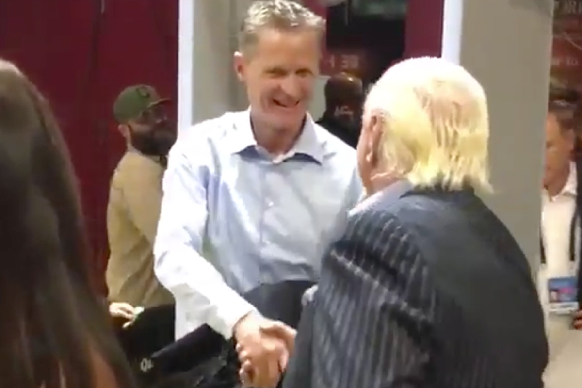 ric flair greeted steve kerr before game 3 of the nba finals