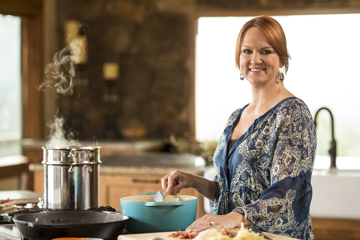 Ree Drummond prepares Macaroni and Cheese for her family as seen on Food Network's The Pioneer Woman, Season 4.