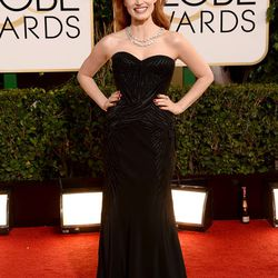 Jessica Chastian ditching the apparent color trend on the red carpet for black Versace and Bulgari jewels.