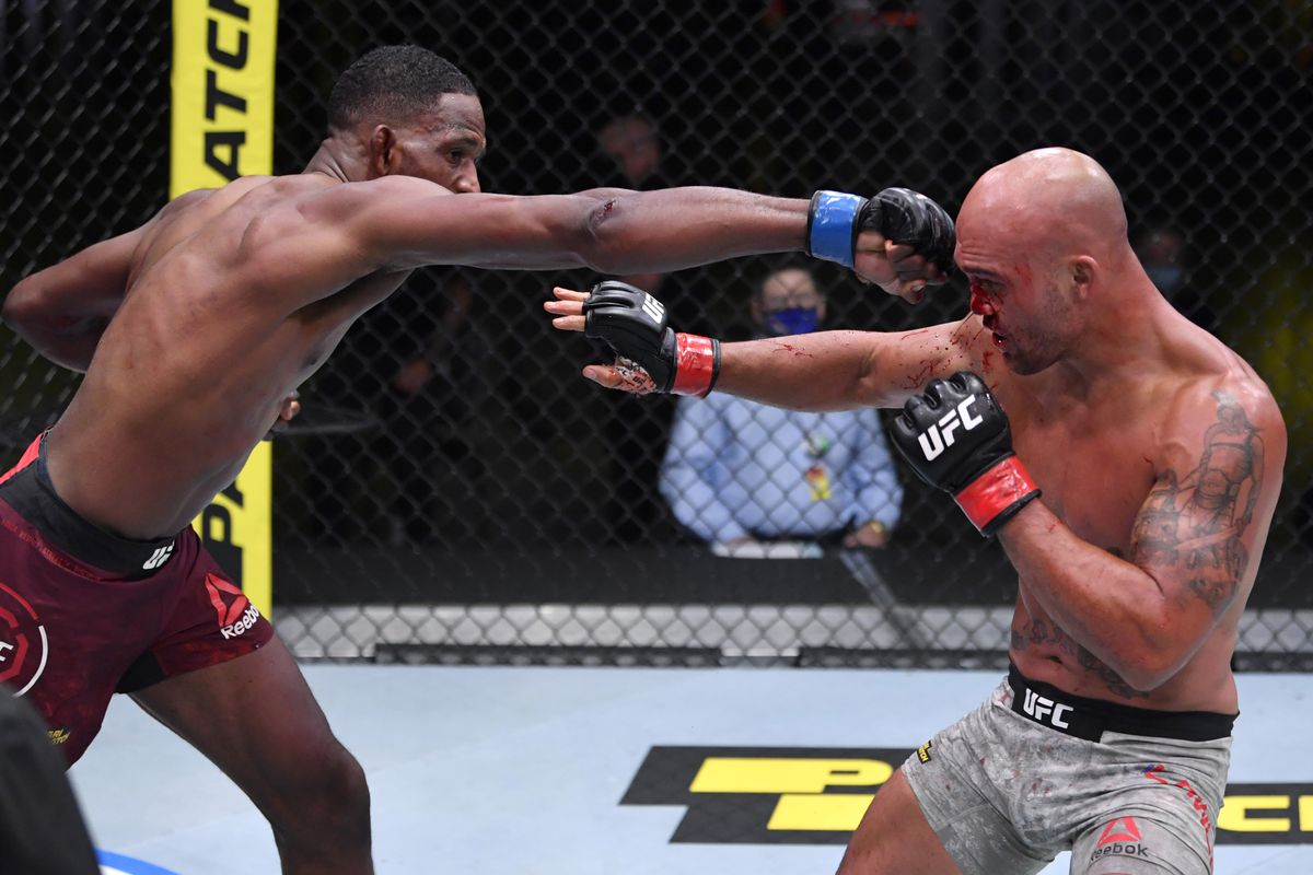 UFC Vegas 8 results: Neil Magny dominates Robbie Lawler to win lopsided  decision in co-main event - MMA Fighting