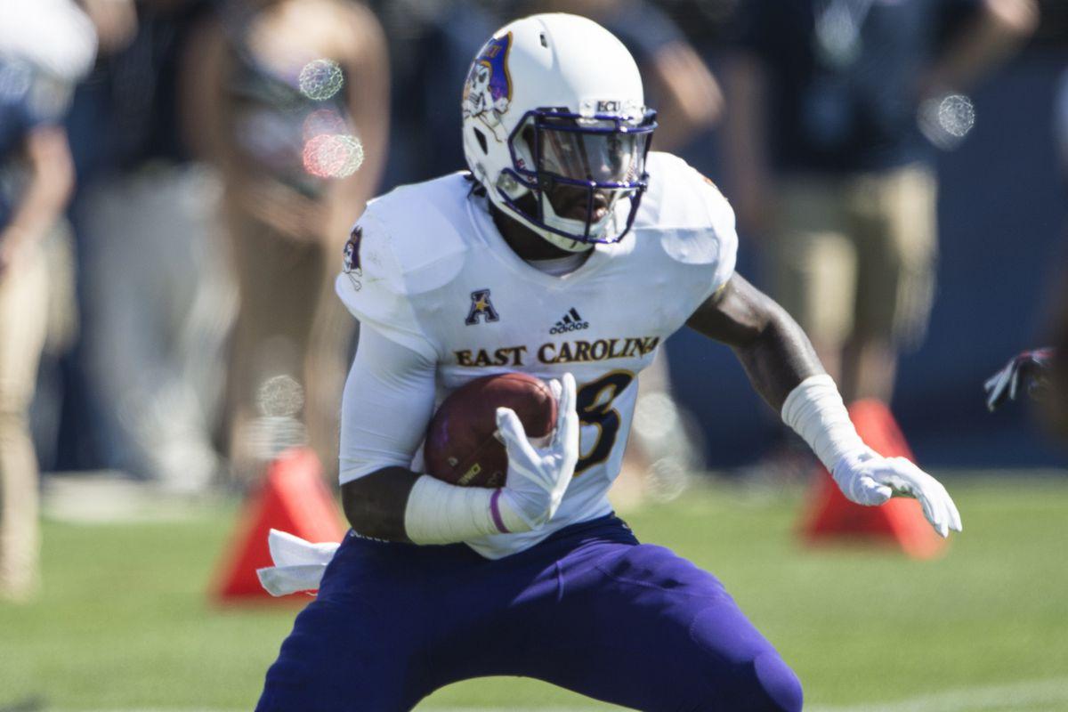 NCAA Football: East Carolina at Connecticut
