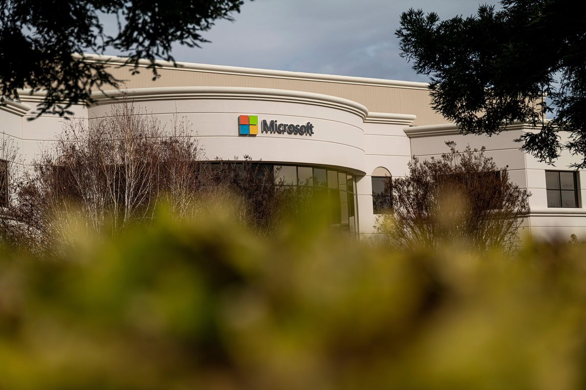 Microsoft Offices Ahead Of Earnings Figures
