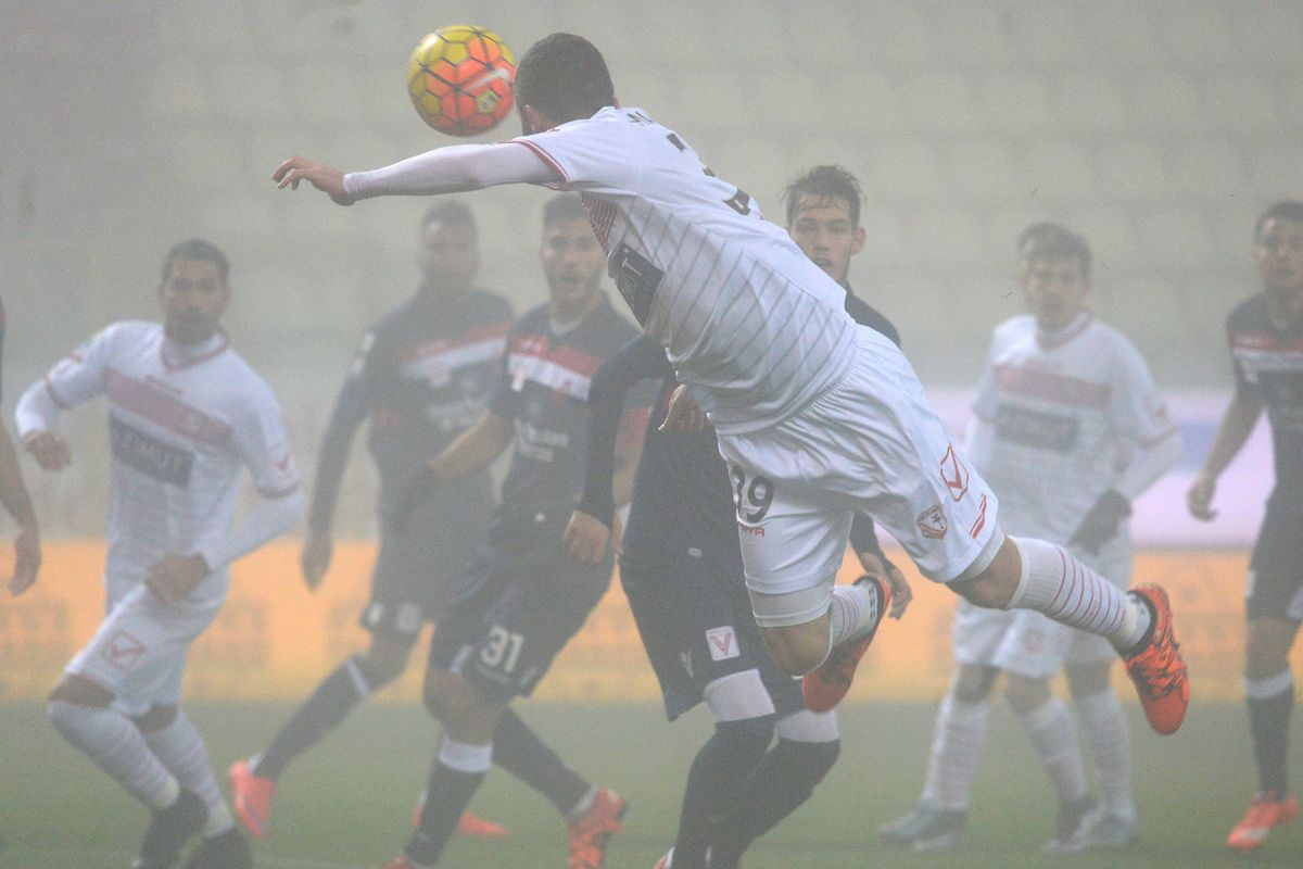 A photo taken during Carpi-Vicenza on Thursday night: even the photographers had to battle with the thick fog.