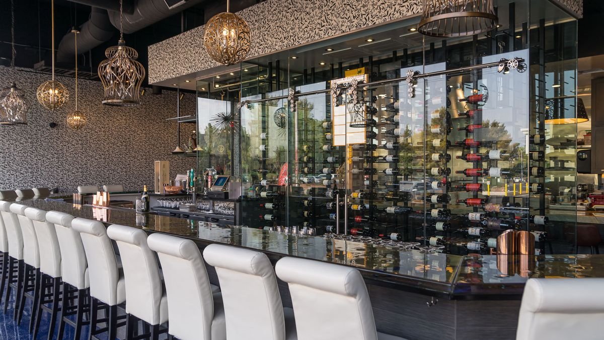 The bar at Mordeo Boutique Wine Bar