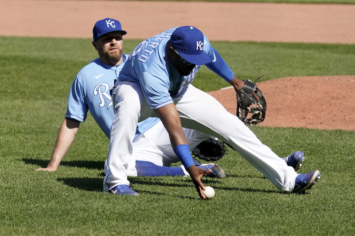 Royals fall for the first time this year, drop finale 7-3 to Texas - Royals  Review
