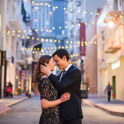 """""""<strong>Maiden Lane</strong> is the perfect choice for a mix of downtown San Francisco and a couple's personal style. Plus, you can never go wrong with string lights in the background of your photos."""" -Photographer Christine Chen [Photo from <a href=""""htt"""