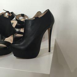 Designer's own, size 39,  $250