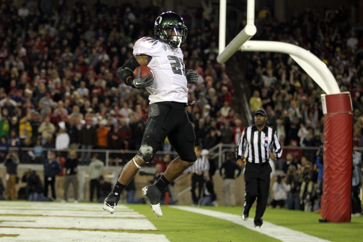 STANFORD, CA - NOVEMBER 12:  LaMichael James #21 of the Oregon Ducks celebrates after scoring a touchdown against the Stanford Cardinal at Stanford Stadium on November 12, 2011 in Stanford, California.  (Photo by Ezra Shaw/Getty Images)