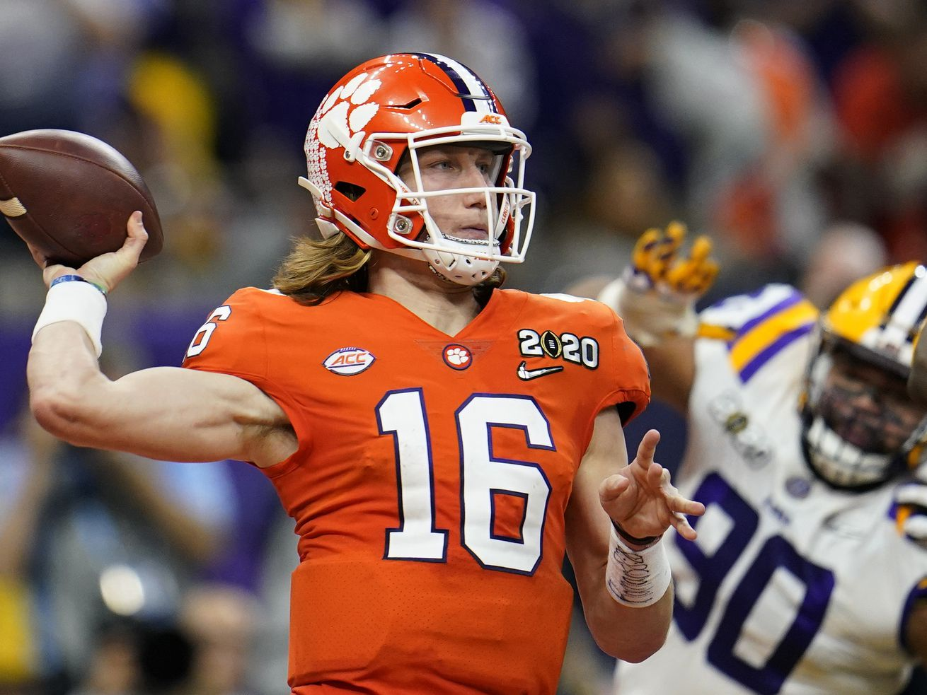 Heisman Trophy front-runner Trevor Lawrence tests positive for COVID-19
