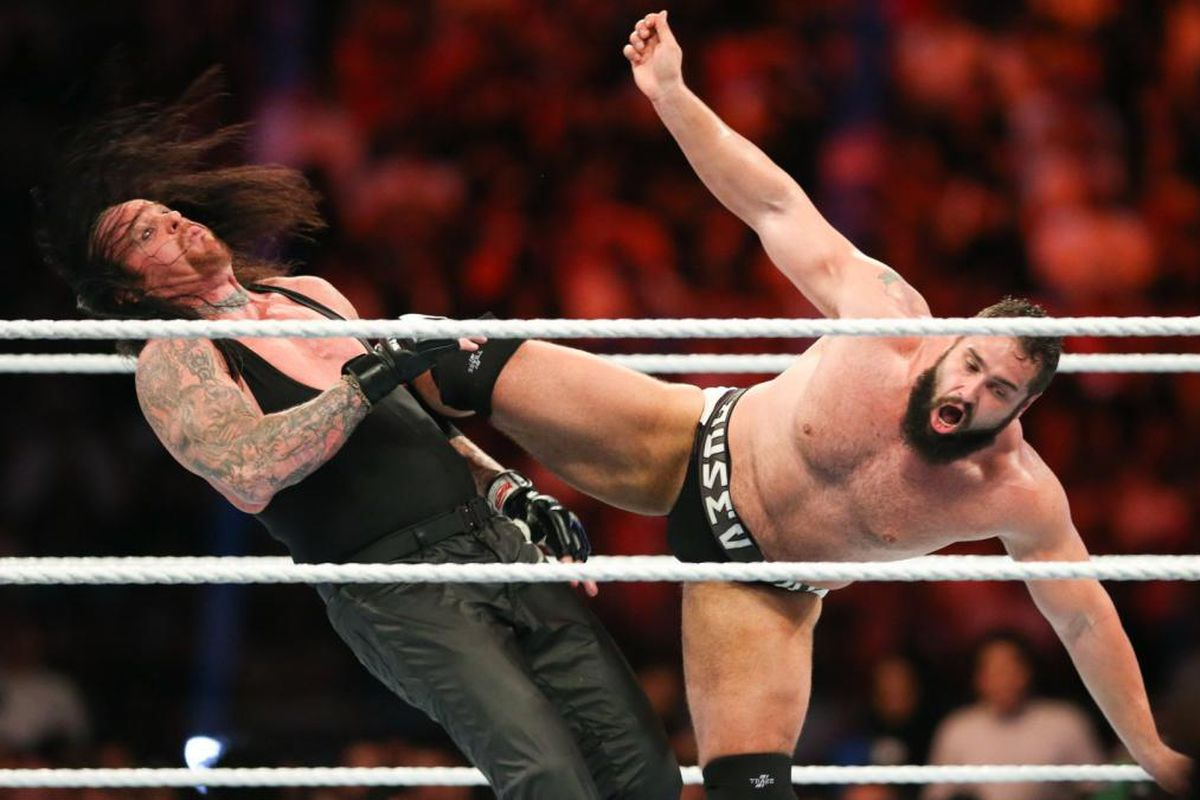 Big Reason Why WWE Replaced Rusev With Rey Mysterio At Super Showdown 2