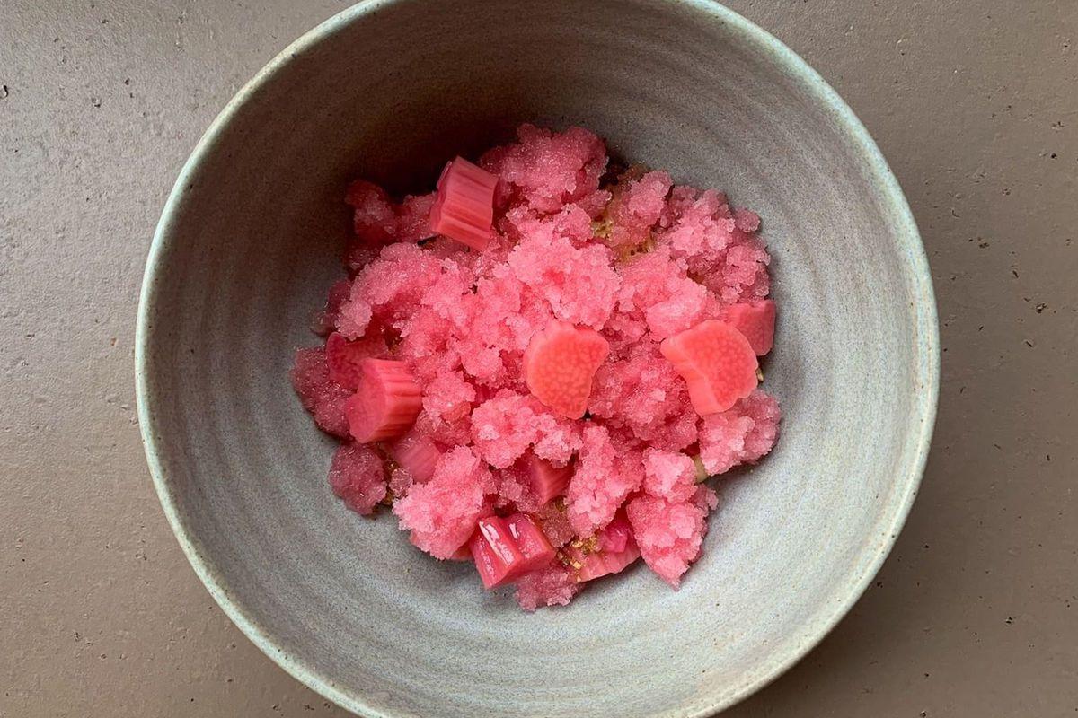 London restaurant trend: rhubarb's millennial pink beauty pops on Instagram