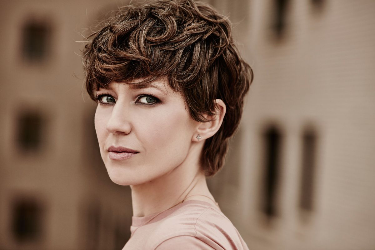 """Steppenwolf Theatre ensemble member Carrie Coon narrates """"The Red Folder."""""""