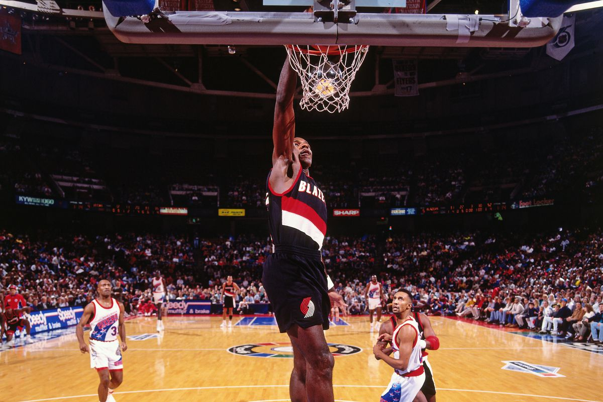 Trail Blazers Legend Clyde Drexler's Among the NBA's Greatest Dunkers
