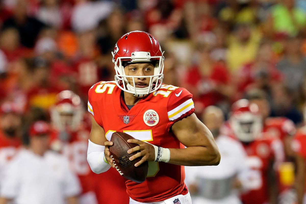 Mahomes could play, start Sunday's game