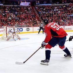 Kuznetsov Looks to Pass or Shoot