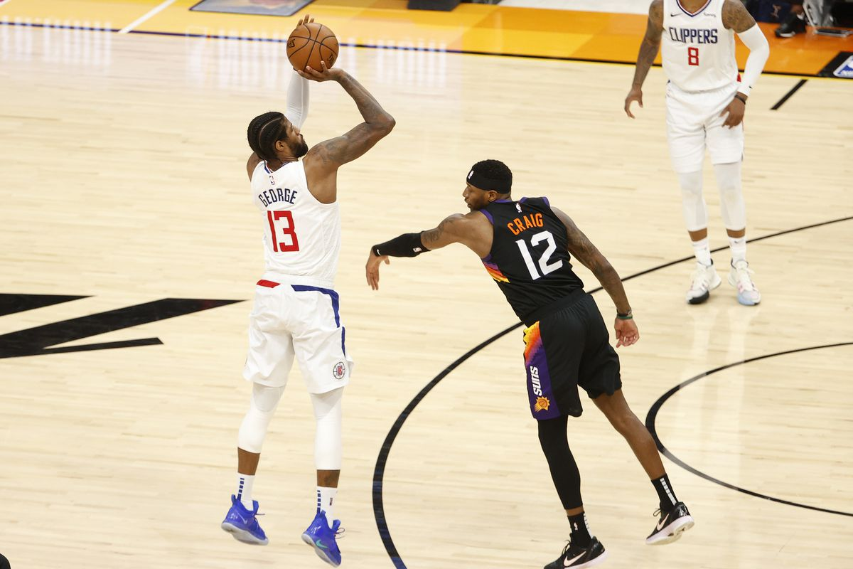 Los Angeles Clippers v Phoenix Suns - Game Five
