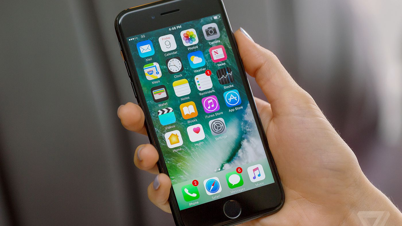 iPhones start slowing down after a year of use, and that's way too