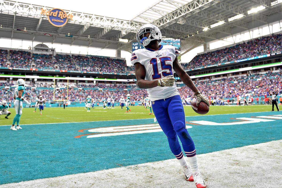 Buffalo Bills wide receiver John Brown scores a touchdown against the Miami Dolphins during the first half at Hard Rock Stadium.